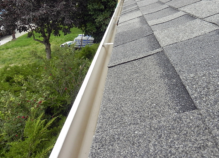 Eavestrough Service Image